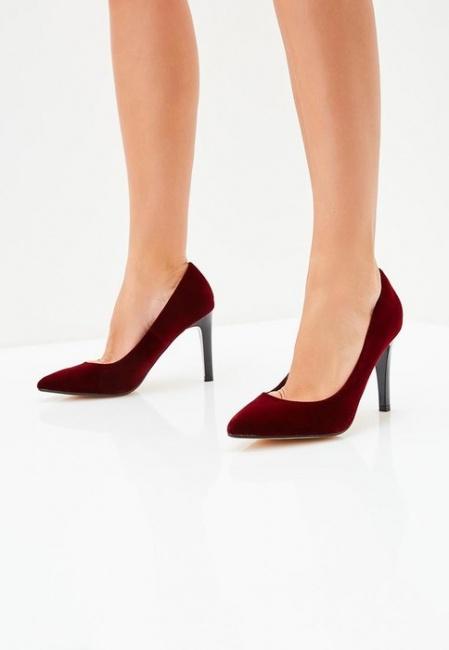 Коллеги позавидуют: 6 пар туфель, которые стоит надеть в офис